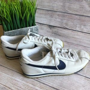 Nice leather Nike Cortez tennis shoes size 10